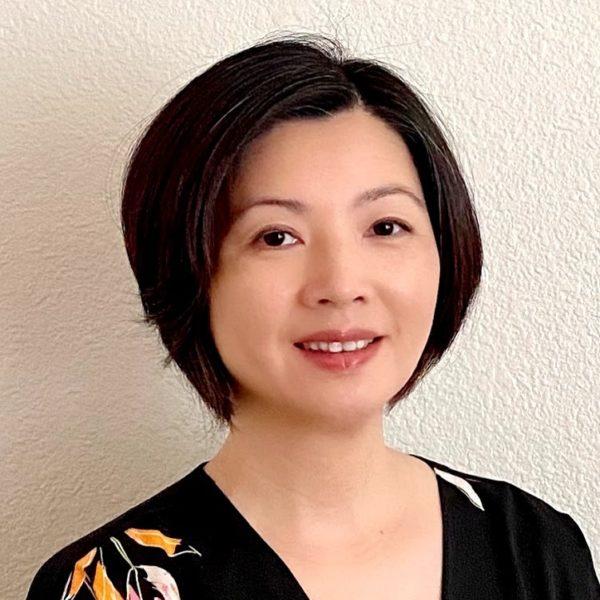 Eva Chou Headshot
